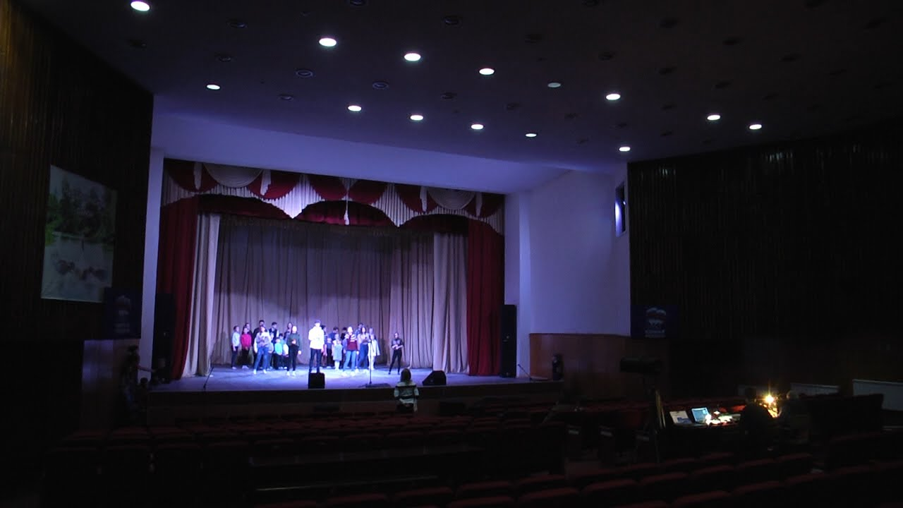 За кулисами театра. Земский театр