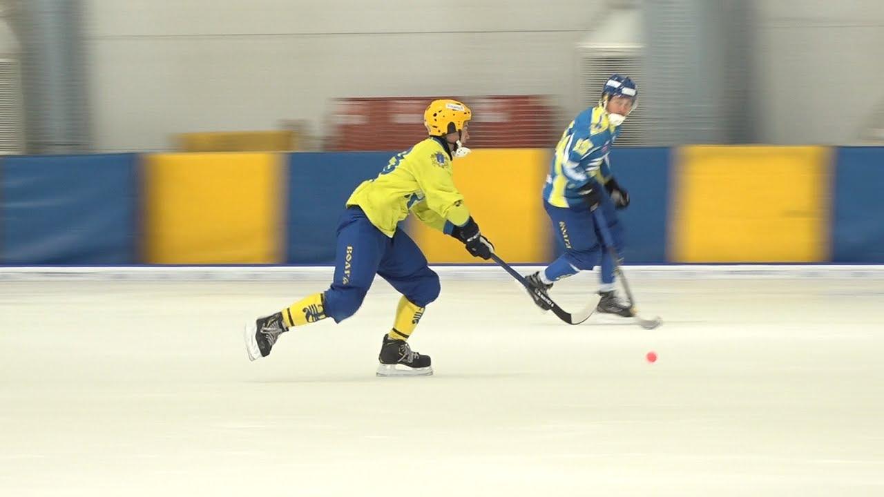Хоккеисты «Волги» вышли на большой лед