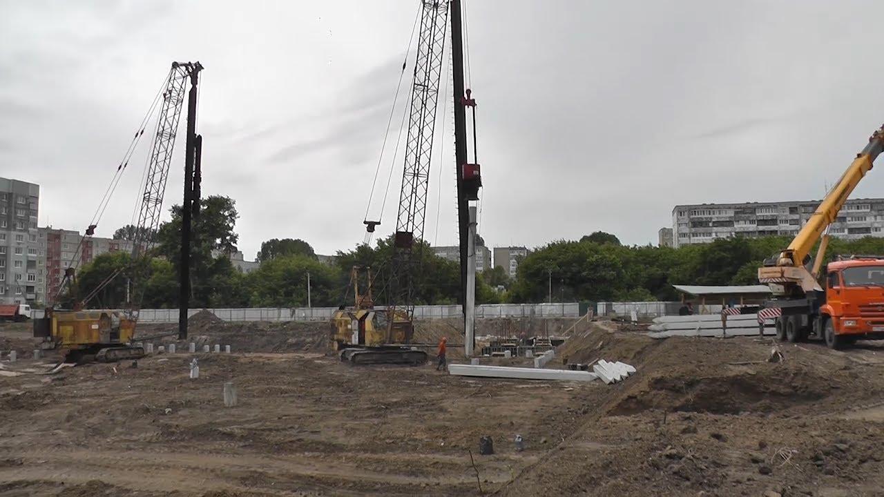 Строительный марафон: от футбольного манежа и школы до нового здания ТЮЗа. Есть проблемы?